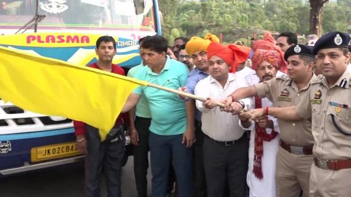 अमरनाथ यात्रा के लिए पहला जत्था रवना, सुरक्षा के कड़े इंतजाम