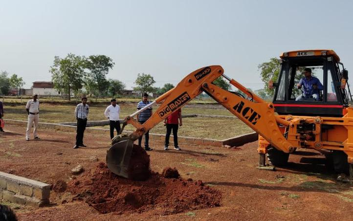 Big action against illegal plating, Kandul village with Kamal Vihar, Illegal plating removed from 10 acres of land,