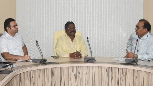 मंत्री अमरजीत भगत ने संभाला पदभार