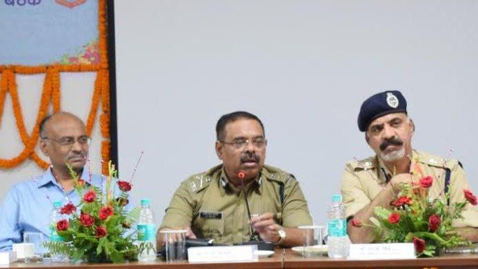 पुलिस परिवार के छात्र-छात्राओं के लिए लागू होगी DGP मेरिट स्कॉलरशिप योजना