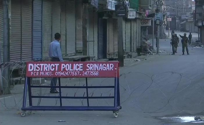 Section 144 in Kashmir, Internet service off, 40 companies of CRPF deployed,