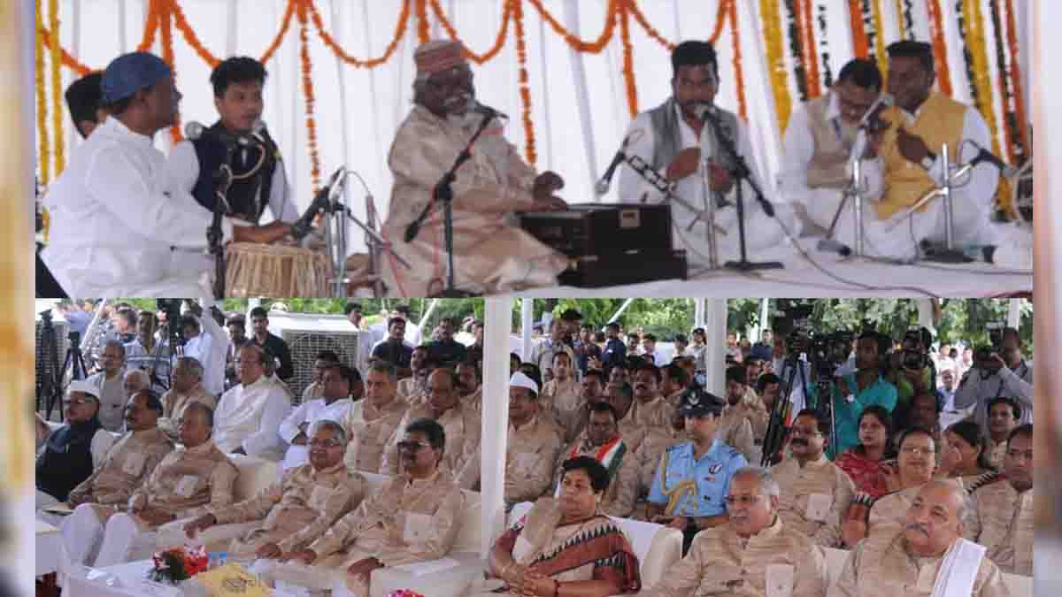 Presentation of Bapu's, hymns in the,assembly, on Gandhi Jayanti,