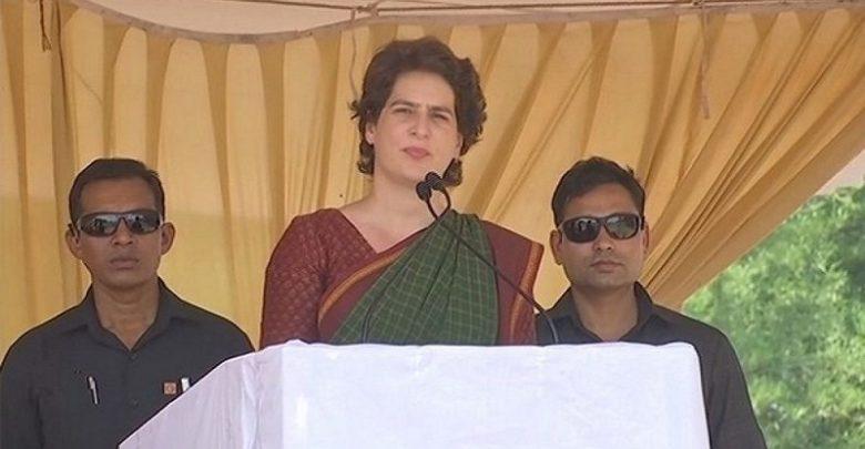 Sonia Gandhi, Rahul Gandhi, Priyanka Gandhi, SPG Security, Remove,