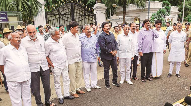 Karnataka, 17 MLAs disqualified, Will be able to contest by-election – SC,
