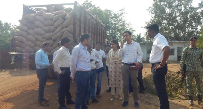 Collector, Raipur, Dr. S. Bharatidasan, Illegal paddy transportation,