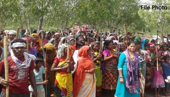 आदिवासियों के खिलाफ दर्ज मामलों की वापसी शुरू