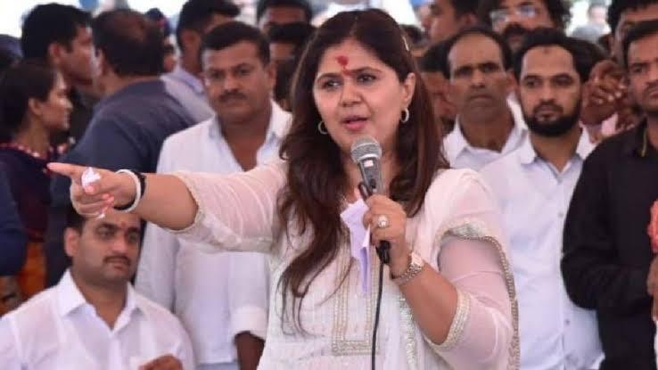Maharashtra, BJP, Pankaja Munde, On Facebook, Power performance,