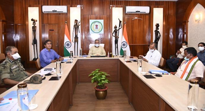 नक्सल मामले को लेकर CM भूपेश ने की अहम बैठक