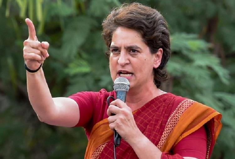 मोहरों के निलंबन से क्या होगा, योगी आदित्यनाथ इस्तीफा दें: Priyanka