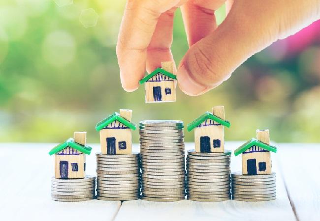 कोरोनाकाल में वर्क फ्राम होम से घरों का महत्व बढ़ा और रीयल एस्टेट में नई योजनाओं का पारा चढ़ा