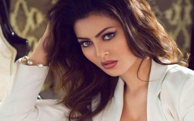 Bollywood: नए साल के कार्यक्रम के लिए उर्वशी रौतेला ने ली इतने करोड़ की फीस