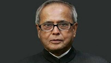 Pranab Mukherjee wrote in the book- Congress suffered due to big leaders