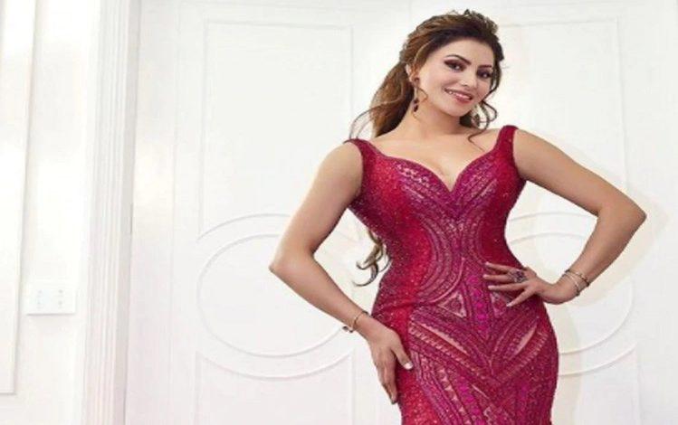 Bollywood: बहुत ही महंगा है उर्वशी रौतेला का ये गाउन, कीमत जानकर उड़ जाएंगे होश