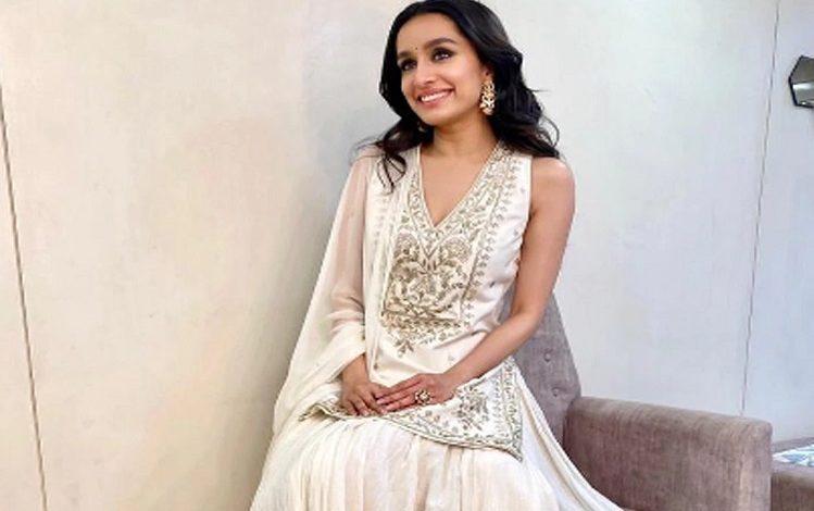 भाई की शादी में Shraddha Kapoor ने पहनी इतनी महंगी ड्रेस, जानकार चौंक जाएंगे आप
