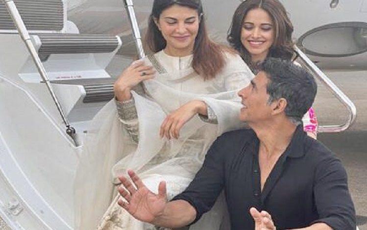 अब अयोध्या में ऐसा करेंगे बॉलीवुड अभिनेता Akshay Kumar, इन अभिनेत्रियों के साथ हुए रवाना