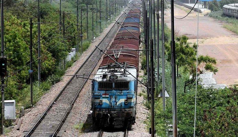 Covid-hit  वित्त वर्ष 2020-21: भारतीय रेलवे परिचालन अनुपात में सुधार कर 97.45 पीसी