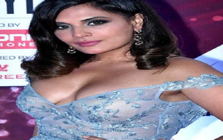 राज कुंद्रा पोर्नोग्राफी मामले में शिल्पा शेट्टी के सपोर्ट में उतरीं अभिनेत्री ऋचा चड्ढा, ट्वीट कर लिखा – उन्हें अकेला छोड़ दें और कानून को फैसला करने दें