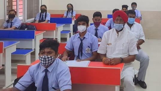 बीपी पुजारी स्कूल में मनाया गया प्रवेश उत्सव