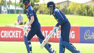 आस्ट्रेलिया ने टॉस जीतकर भारत को पहले बल्लेबाजी सौंपी