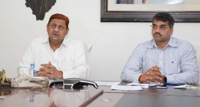 छत्तीसगढ़ बनेगा 'इलेक्ट्रिक व्हीकल हब', मंत्री अकबर ने कहा- राज्य में इलेक्ट्रिक वाहन के निर्माण इकाईयों को दी जाएगी हर मदद