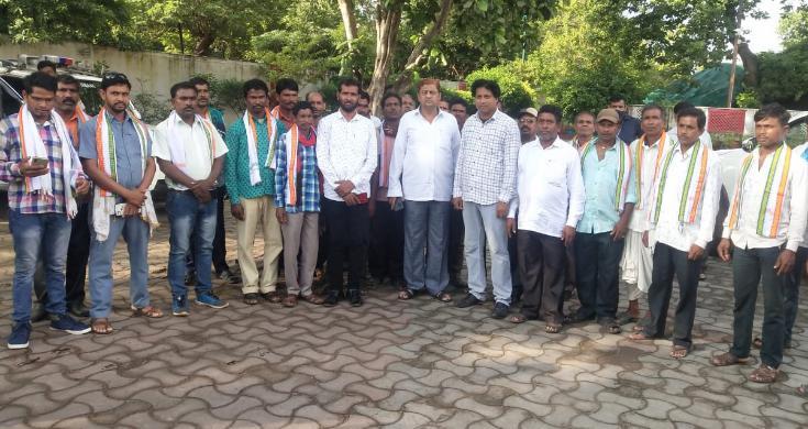 कबीरधाम: भाजपा के 27 लोगों ने किया कांग्रेस प्रवेश