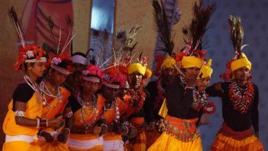 राष्ट्रीय आदिवासी नृत्य महोत्सव के दौरान जनजातीय परिधानों, गहनों, शिल्प और डिजाइनों से भी रूबरू होंगे लोग