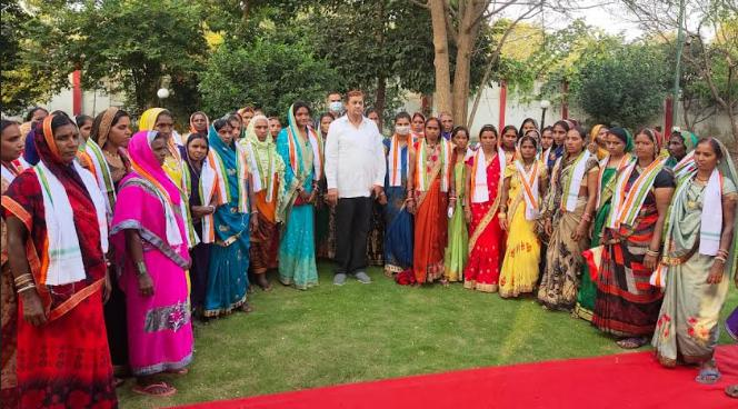 कवर्धा में तनाव के बीच भी महिलाओं ने मंत्री अकबर पर जताया भरोसा, 55 महिलाओं ने रायपुर आकर किया कांग्रेस प्रवेश